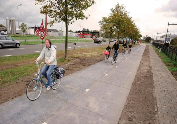 solaroad_bike_path
