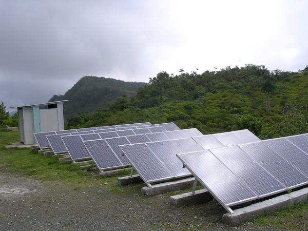 Solar-panels-in-cuba