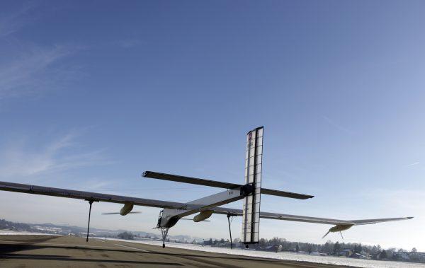 solar-powered-plane