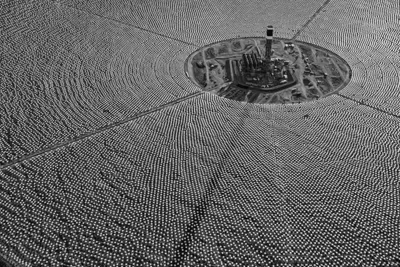 concentrated solar power plant heliostats tower