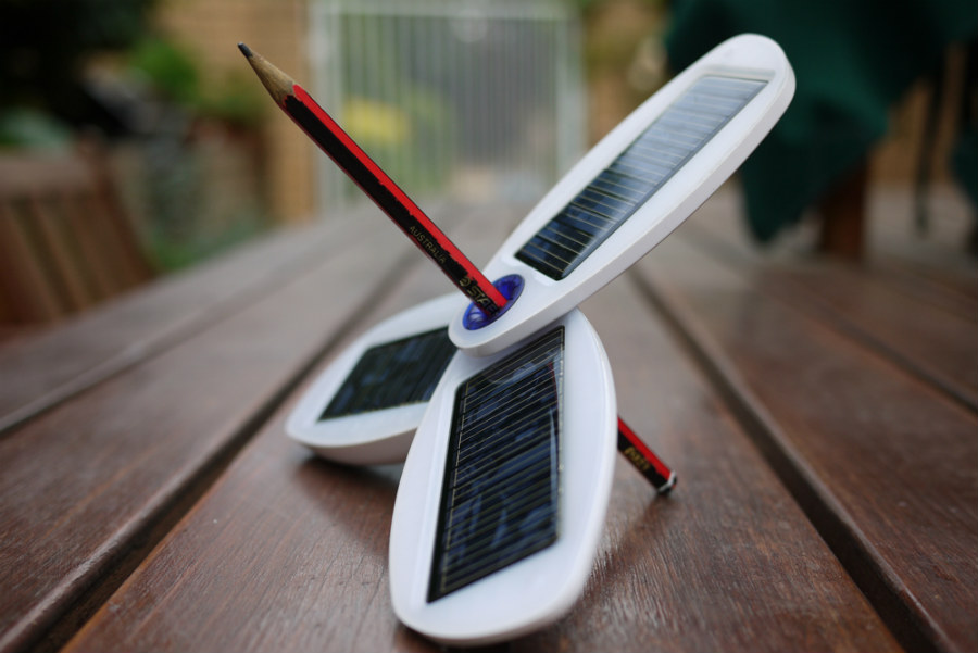 How Much Solar Panels Cost >> Top 3 Coolest Solar Gadgets To Back On Kickstarter - Understand Solar