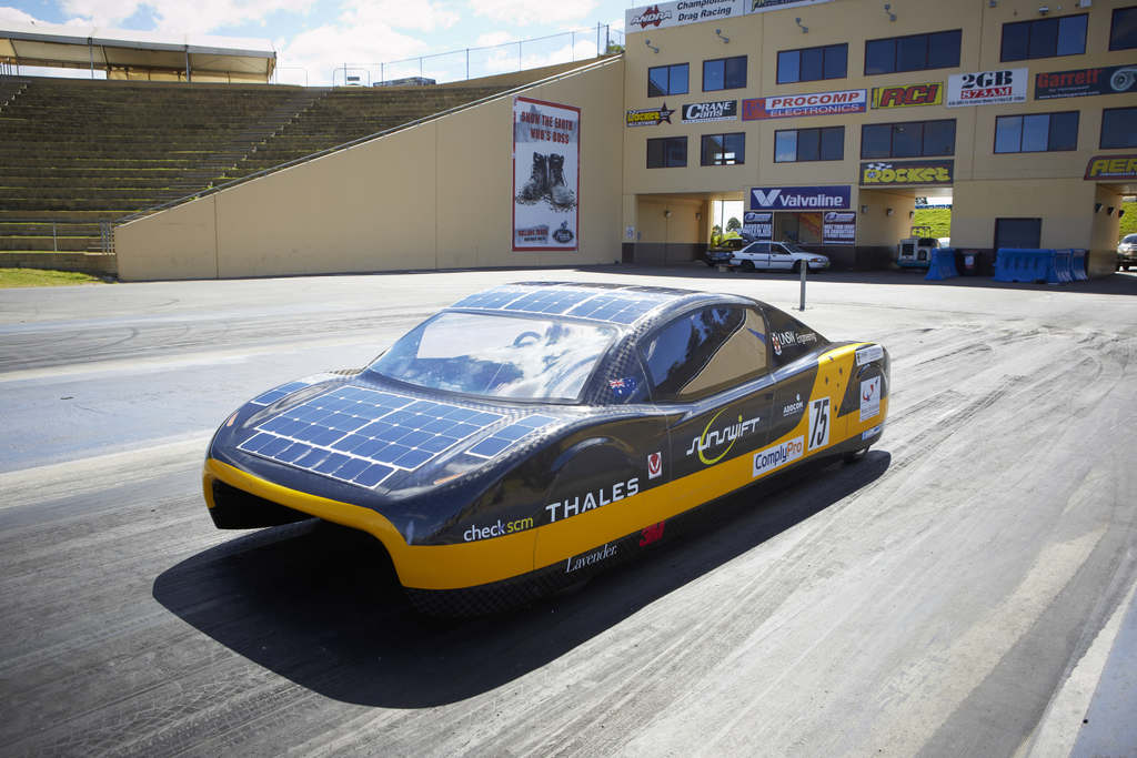 3 Reasons Solar Powered Cars Are The Next Big Thing