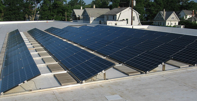 can-you-put-solar-panels-on-a-flat-roof