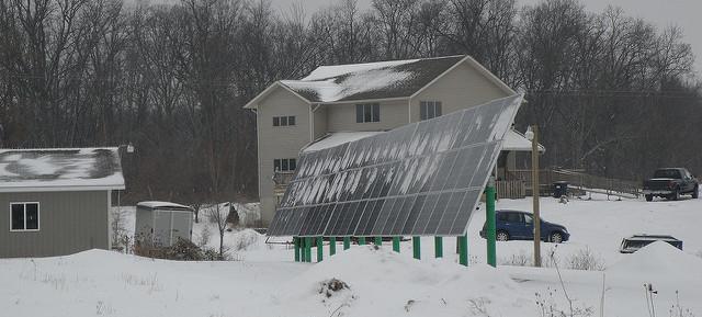solar-panel-tilt-snow