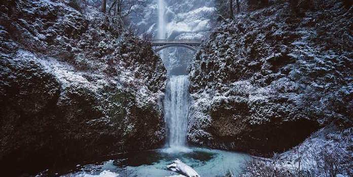 multnomah-falls-oregon-solar