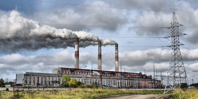 Fossil Fuel Power Plant : Air pollution the impact of fossil fuels vs solar